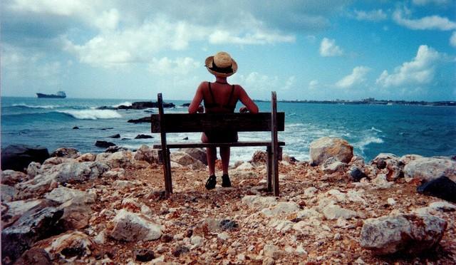 Alone Is Tidak Sendirian